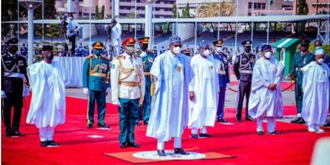 Drama At Eagle Square Abuja As Buhari Tried Releasing 'Birds of Honor' Into The Sky- Oby Reacts