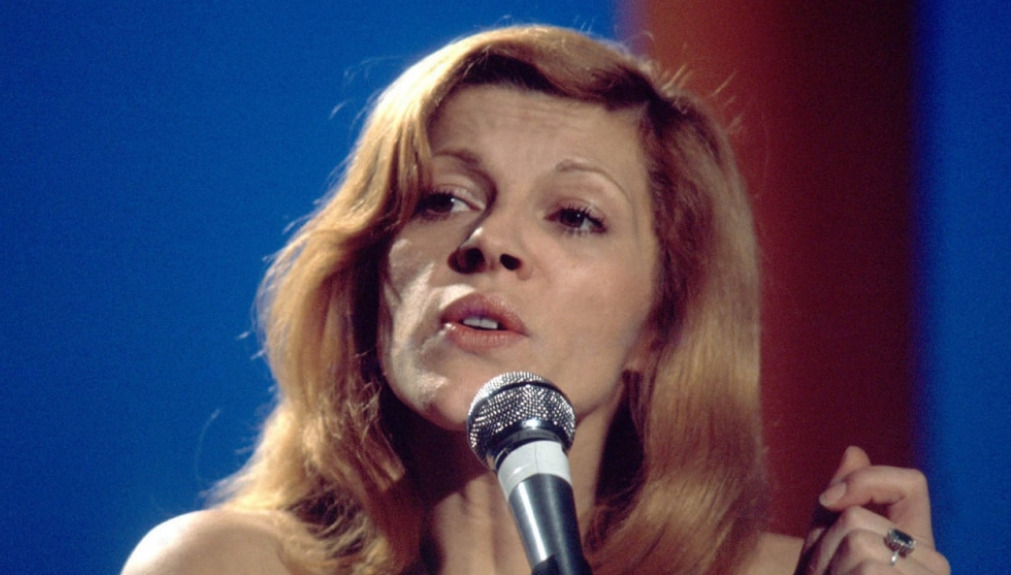 Nicoletta Biographie: age, chanteuse, il est mort le soleil,  la musique, demain nous appartient