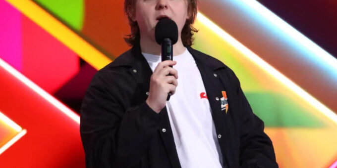 What did Lewis Capaldi say at the Brit Awards 2021