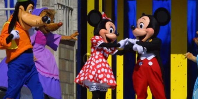Is Goofy a dog or a cow? What animal is Disney's character from Mickey Mouse?