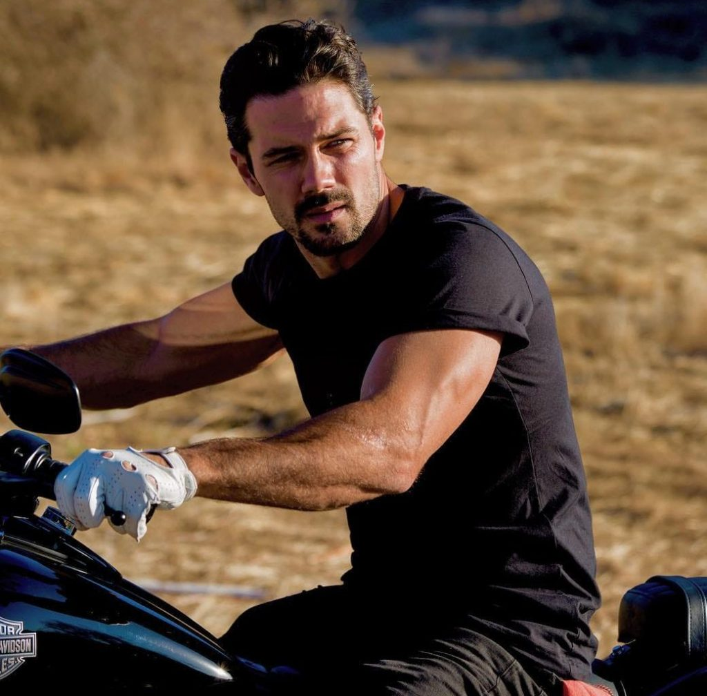 Ryan Paevey biography: net worth, wife, ethnicity, height, age, married to Jessa Hinton?