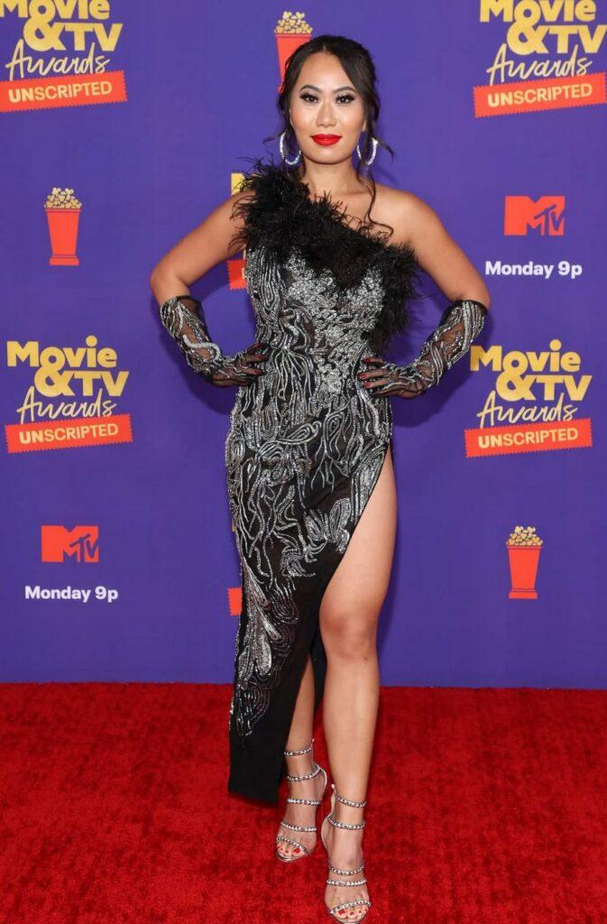 Kelly Mi Li Bio: net worth, boyfriend, age, husband, Andrew Gray ex wife?