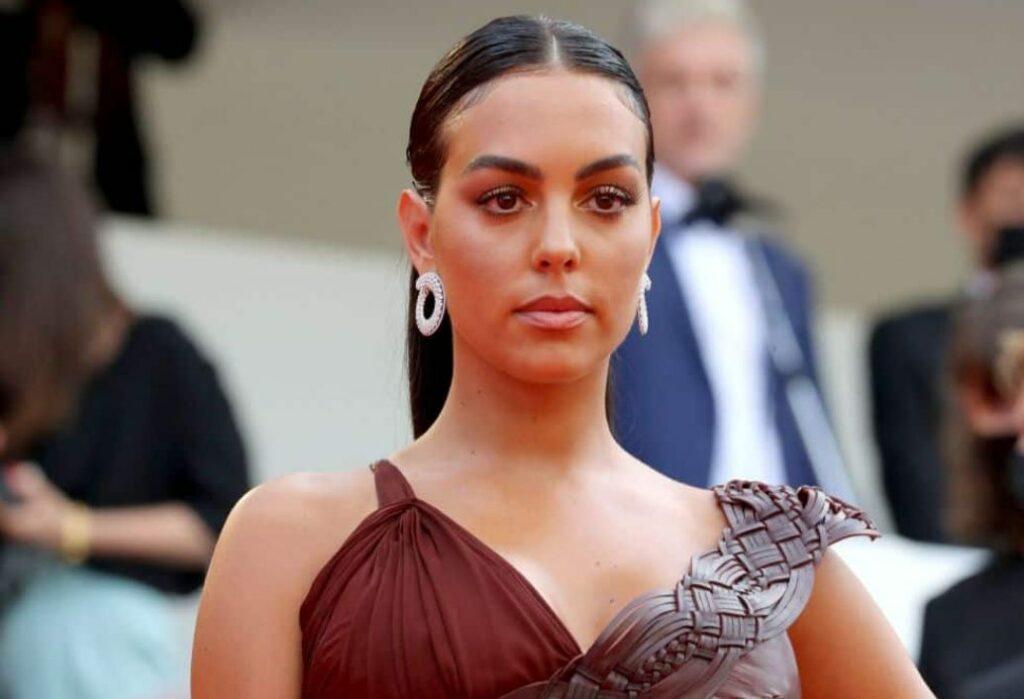 Georgina Rodríguez biography: net worth, nationality, husband, height, married to Ronaldo?