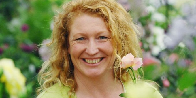 Charlie Dimmock Bio, Wiki, Age, Family, Partner, Children, Ground Force, and Net Worth.
