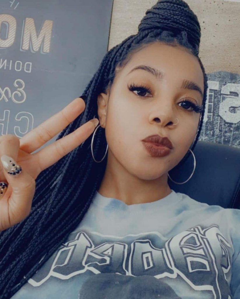 Dee Shanell biography: age, zodiac sign, name, net worth, boyfriend, try on haul YouTube