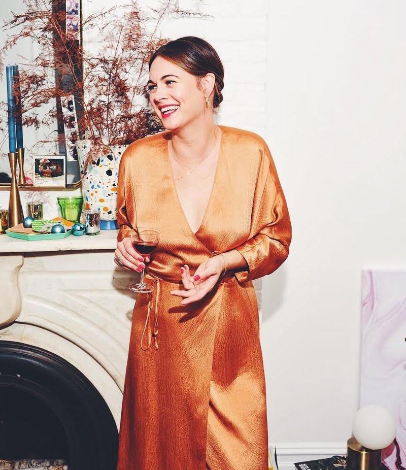 Alison Roman Bio, wiki, age, height, family, husband, cookies, stew, net worth, nyt recipes, shallot pasta
