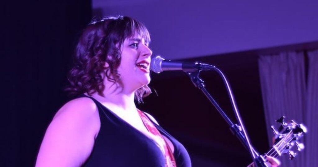 Amanda Fish Band, Tour, Net Worth, Bio, Wiki, Age, Husband, Artist, Evil Dead, and Birthday