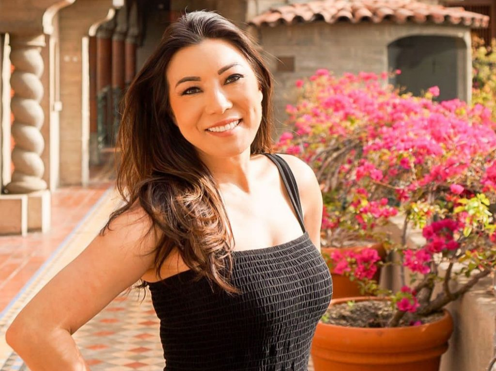 Amber Lee Bio, Wiki, Age, Height, Husband, Family, Ethnicity, CBS2, KTVU, Salary and Net Worth.