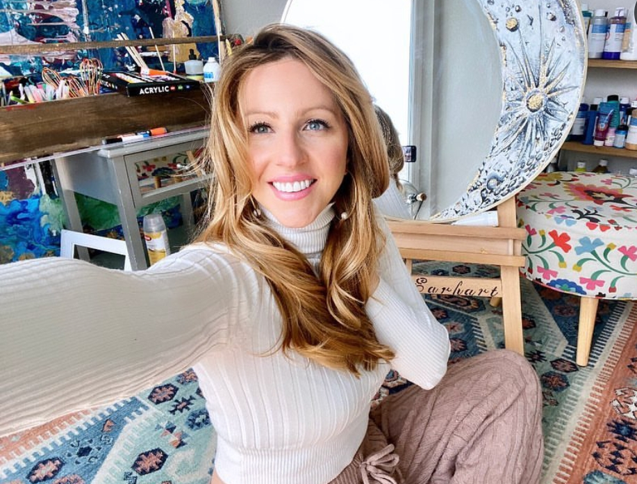 Amelia Rose Earhart Bio, Wiki, Age, Husband, Pilot, 9News, Net Worth and Salary