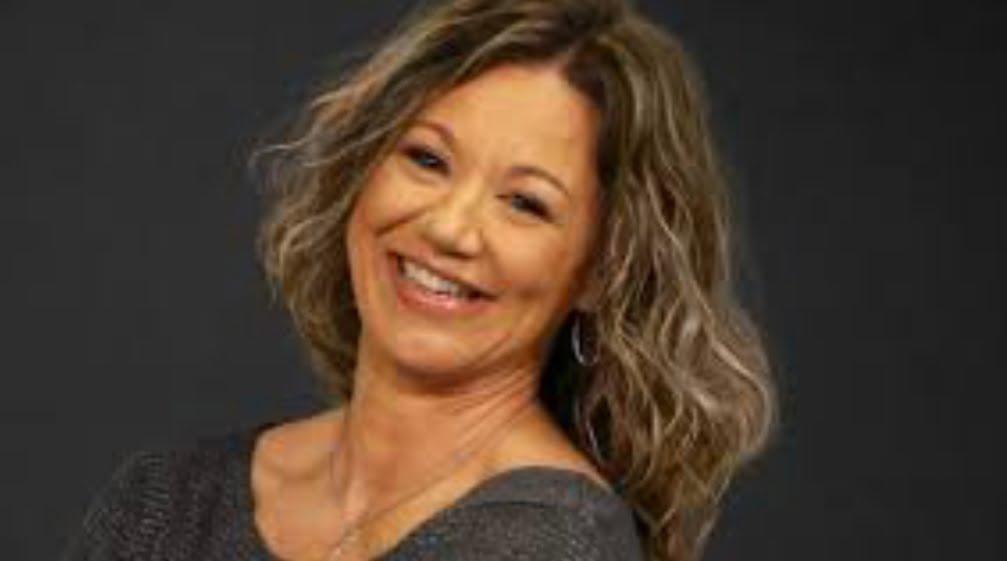 Amy Lawrence After Hours: Net Worth, Bio, Wikipedia, Age, Radio, CBS, Husband, and Salary