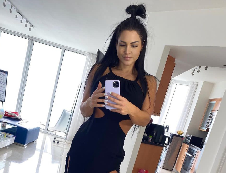 Anita Herbert Bio, Wiki, Age, Height, Husband, Net Worth, Diet and Fitness, nationality, wedding pictures